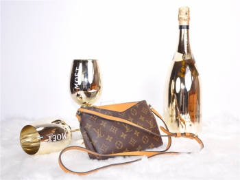 LOUIS VUITTON Pallas Clutch Safran*