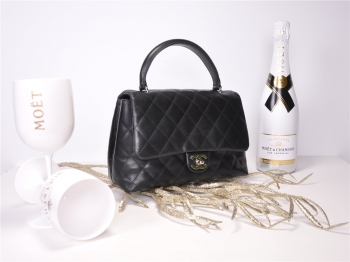 CHANEL Coco Handle Classic Bag Glattleder Flap Bag*